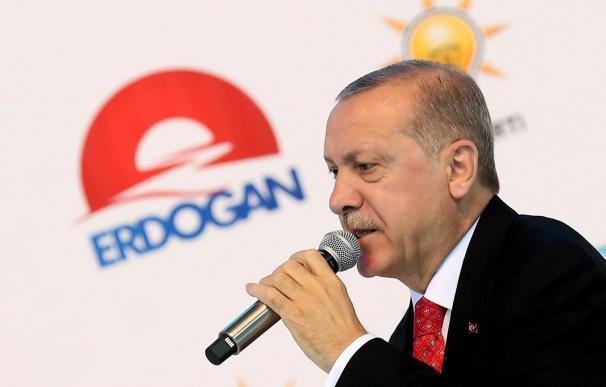 El presidente turco, Recep Tayyip Erdogan, en un acto de campaña en Ankara, Turquía, el 24 de mayo de 2018. EFE/ Str