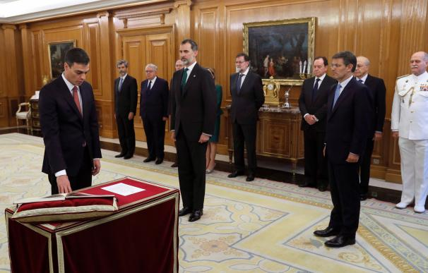 El líder del PSOE, Pedro Sánchez, ha prometido hoy ante el Rey el cargo de presidente del Gobierno (EFE/Fernando Alvarado)