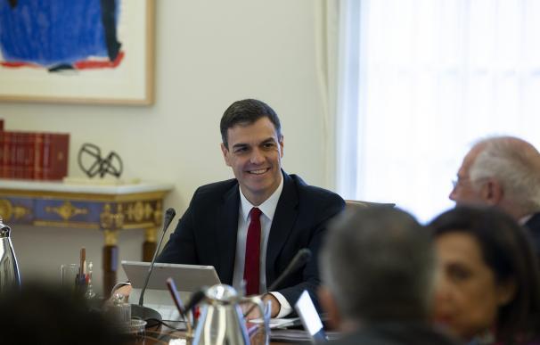 Fotografía Pedro Sánchez en su primer Consejo de Ministros