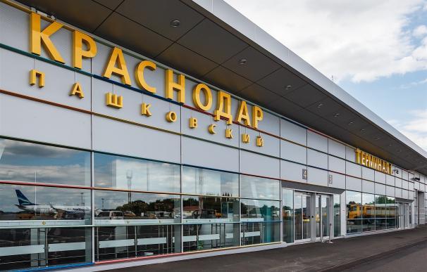 La terminal de Krasnodar cuenta con salones de gran confort, tiendas, cafetería, farmacia y acceso a Wi-Fi