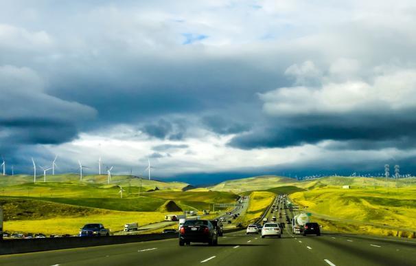 La apuesta por los vehículos eléctricos puede ser decisiva / Pixabay