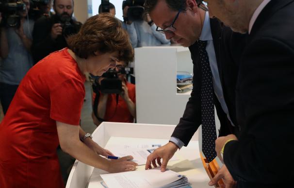 Soraya presenta los avales para presidir el PP