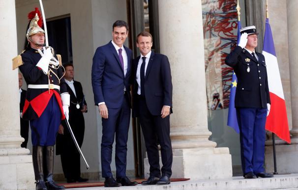 Pedro Sánchez en el Elíseo con Macron