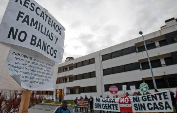 IU propone gravar las viviendas vacías de los bancos