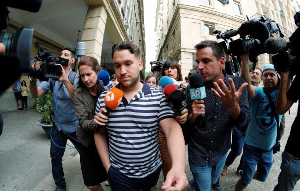 Los componentes de La Manada se han presentado este lunes ante al juzgado de guardia de Sevilla.