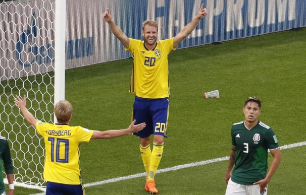 Los suecos celebran uno de los tres goles ante México. /EFE