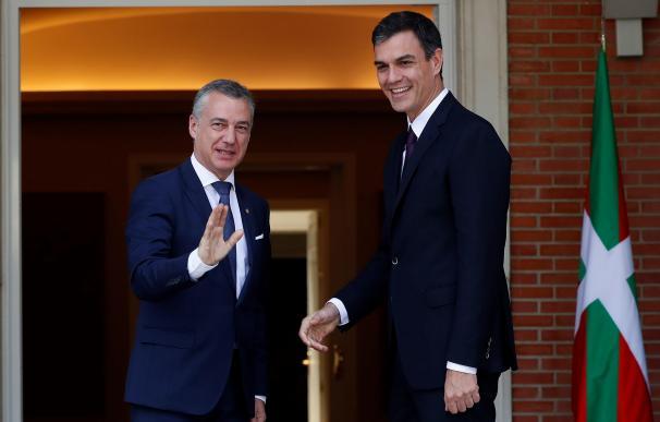 Pedro Sánchez recibe al lehendakari, Íñigo Urkullu, en Moncloa