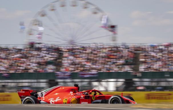 Vettel gana en casa de Hamilton y afianza su liderato