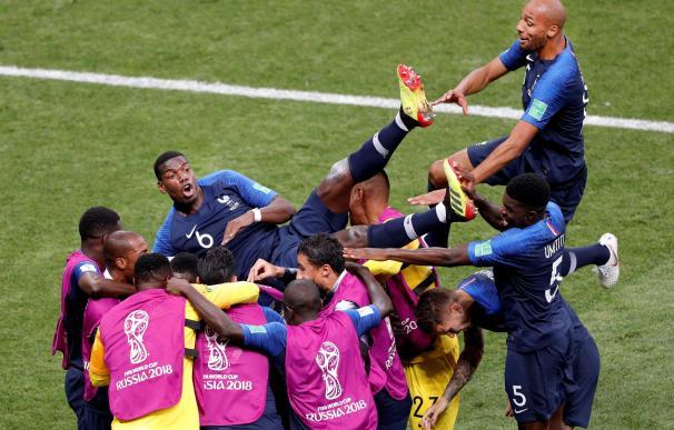 Francia celebra el cuarto gol, marcado por Mbappé
