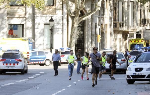 Al menos 14 muertos y 80 heridos en el atentado terrorista de Barcelona