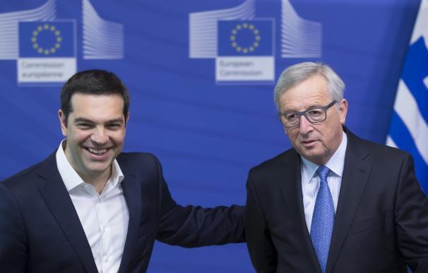 El presidente griego, Alexis Tsipras, y el presidente de la Comisión Europea, Jean Claude Juncker