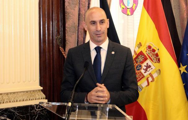 El presidente de la Federación Española de Fútbol, Luis Manuel Rubiales, en una reciente visita oficial a la Ciudad Autónoma de Ceuta. EFE/Reduán