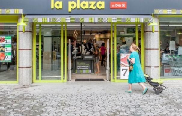 Supermercado La Plaza, perteneciente al grupo DIA. EFE