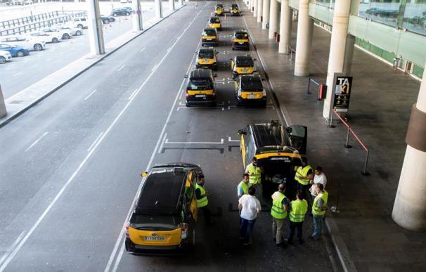 Fotografía huelga de taxis en Barcelona