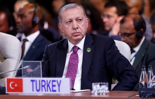 El presidente turco, Recep Tayyip Erdogan, en la cumbre de los jefes de Estado de los BRICS en Johannesburgo, el 27 de julio de 2018 (EFE/ Mike Hutchings)