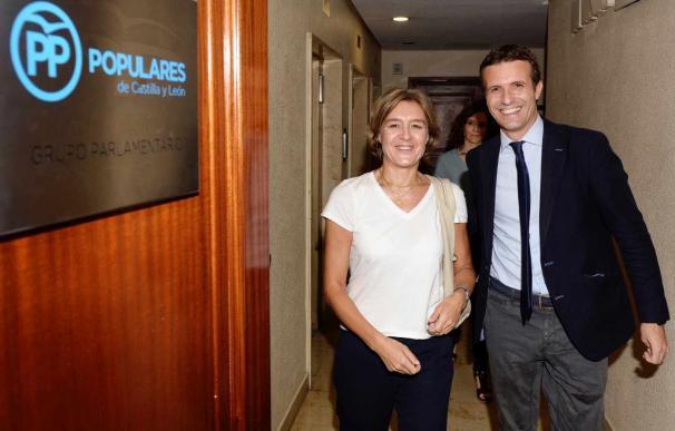 Isabel García Tejerina y Pablo Casado