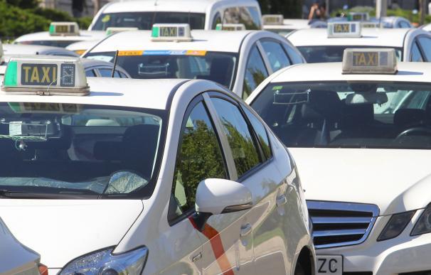 Fotografía taxi Paseo Castellana, huelga