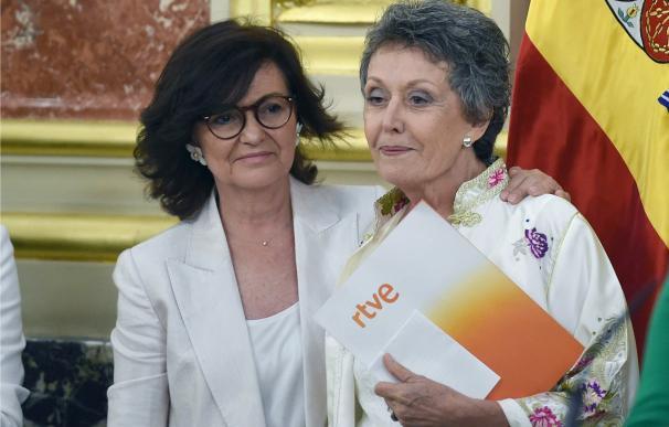 Rosa María Mateo asume su cargo
