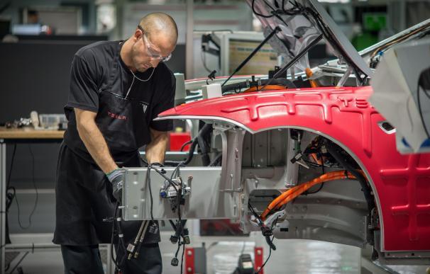 Fotografía fábrica Tesla