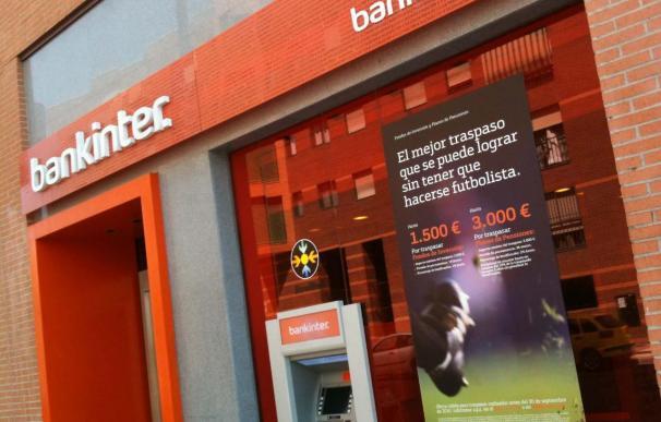 Trabajadores de Bankinter se manifiestan este viernes contra 141 despidos y prevén 269 más, según CCOO