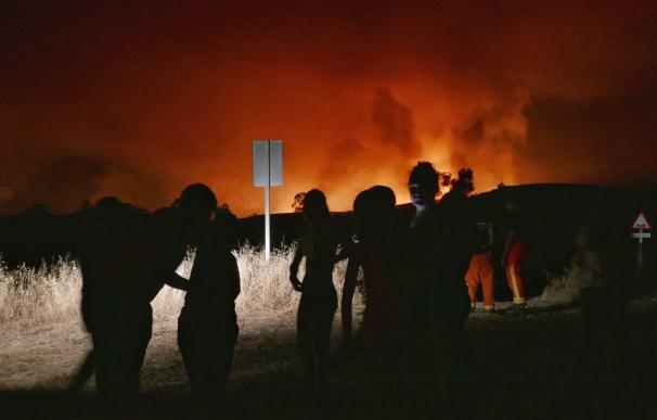 Incendio forestal en el paraje 'La Alcaldía' del término municipal de Almonaster la Real, Huelva.