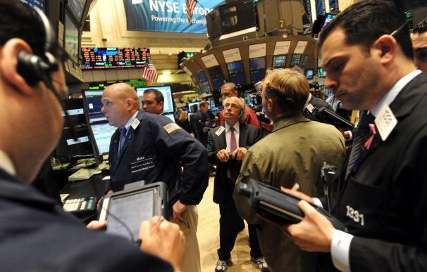 Wall Street cierra con nuevos récords en el Dow Jones y el S and P 500