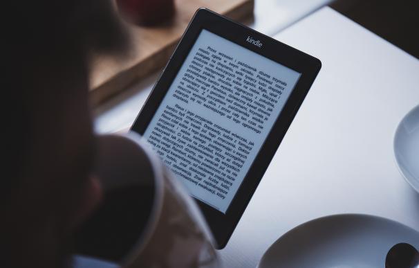 Fotografía del ebook Kindle Paperwhite de Amazon.