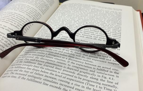 Fotografía de un libro.