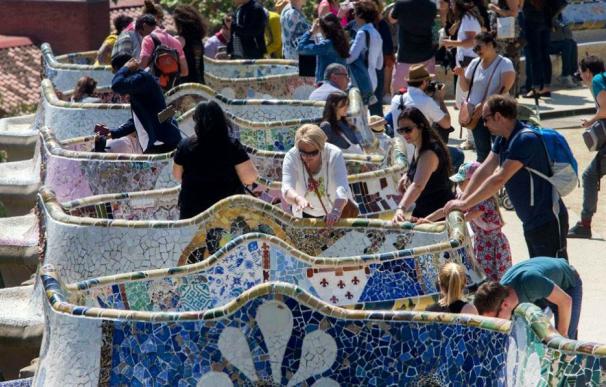 Imagen de turistas en Barcelona