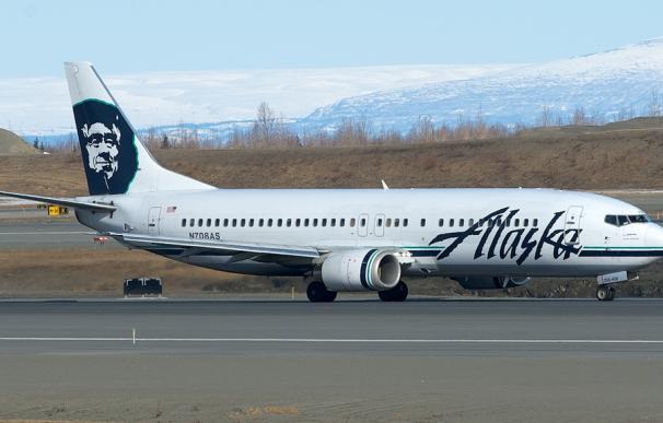 Fotografía de un avión de Alaska Airlines.