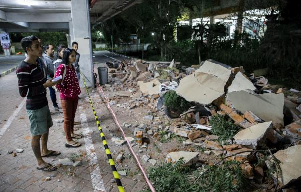 Imágenes de los escombros por el terremoto.