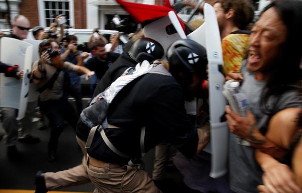 Tres muertos y 20 heridos tras violenta marcha supremacista en Virginia. Europa Press