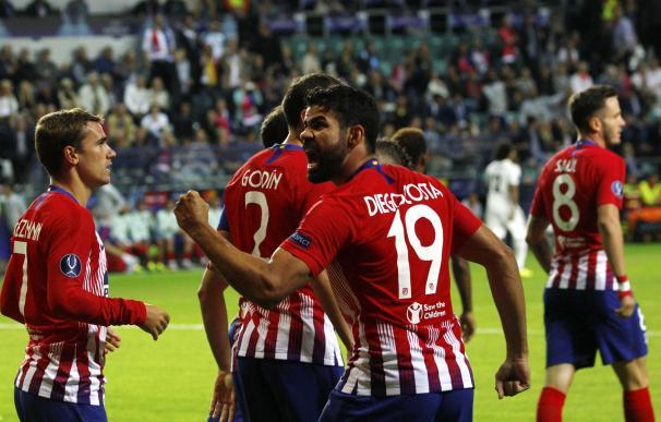 Diego Costa celebra uno de los dos goles anotados.
