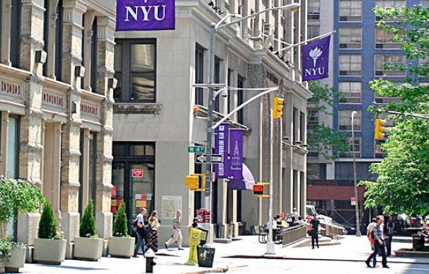 Fotografía del campus de la Universidad de Nueva York.