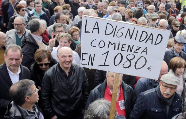 Los jubilados no dejarán la calle hasta lograr una pensión mínima de 1.080 euros