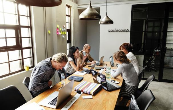 Las oficinas abiertas ya no son la excepción, son la norma. / Pexels