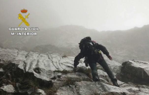 Imagen de archivo de un miembro del Grupo de Rescate e Intervención en Montaña (GREIM)