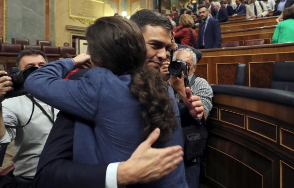 Sánchez junto a Pablo Iglesias