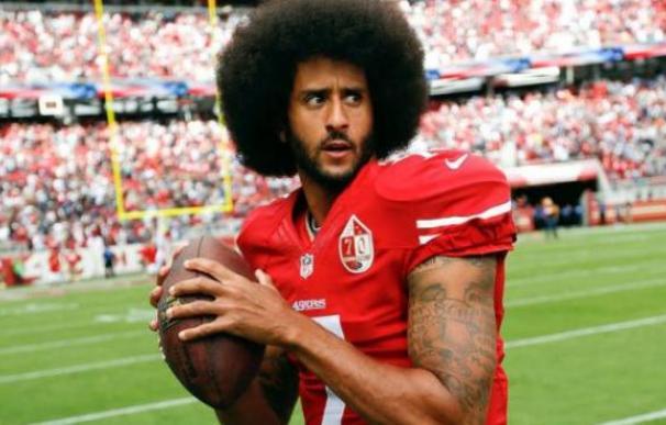 El exjugador de los 49ers de San Francisco Colin Kaepernick