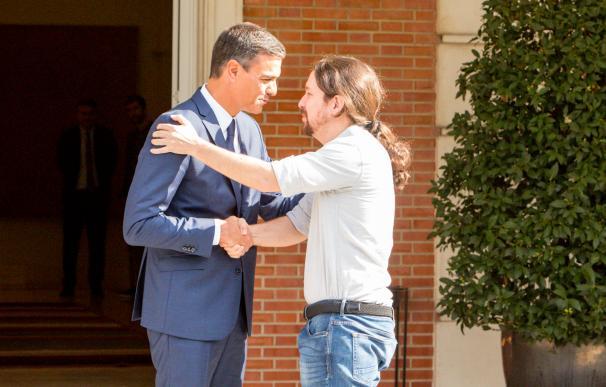 Pedro Sánchez y Pablo Iglesias se reúnen en la Moncloa
