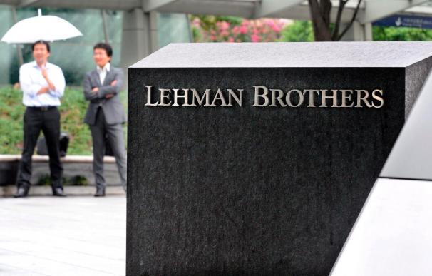 Cinco años después del colapso de Lehman, la banca sigue entrañando riesgos