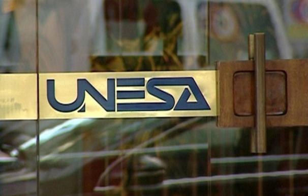 Logo de la antigua Unesa en su sede.