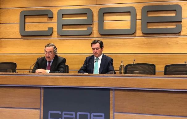 El presidente y vicepresidente de la CEOE, Juan Rosell y Antonio Garamendi