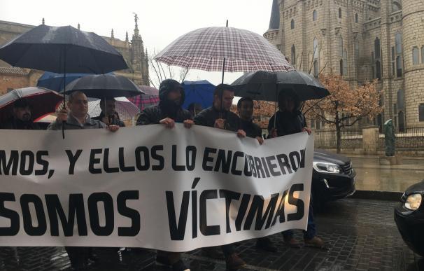 """Una manifestación en defensa de las víctimas de abusos sexuales en la diócesis de Astorga (León) pide """"justicia real"""""""
