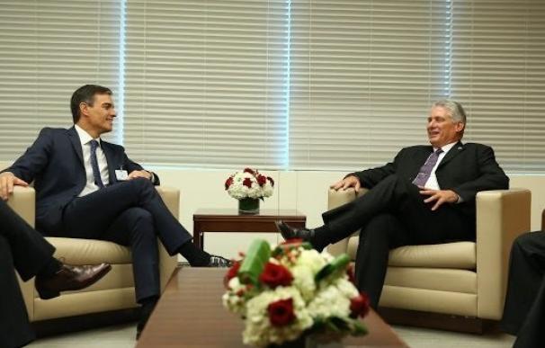 Pedro Sánchez reunido con el presidente de Cuba, Miguel Díaz-Canel