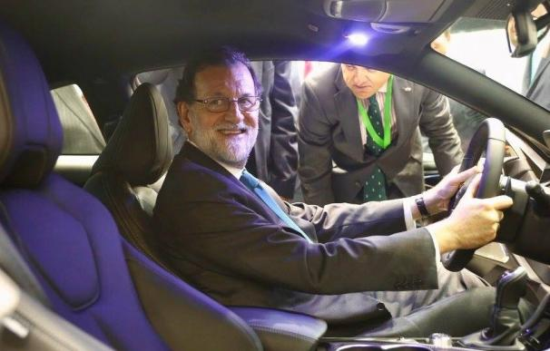 Rajoy durante su última visita al Salón del Automóvil de Barcelona