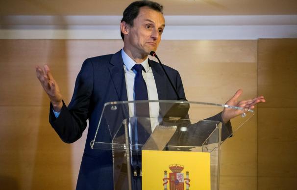 Pedro Duque comparece ante los medios para explicar la creación de su sociedad