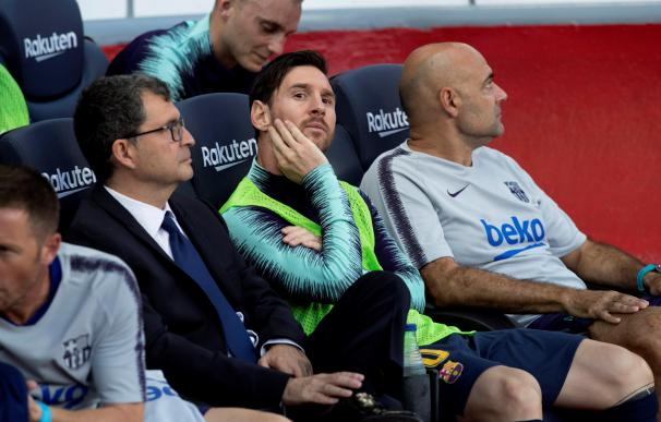 Leo Messi, en el banquillo