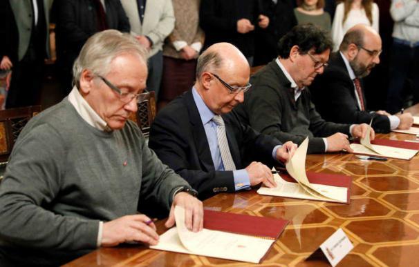 Firma Acuerdo Funcionarios / EFE
