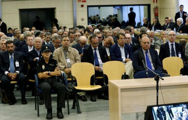 Los acusados por las tarjetas 'black' en la Audiencia Nacional. EFE